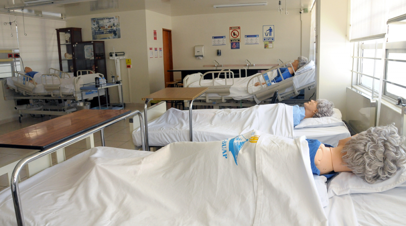 Facultad de Enfermería BUAP desarrolla catálogo útil para toda la población sobre atención primaria en salud