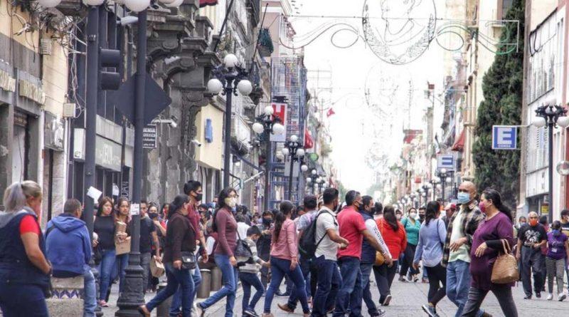 Ante 3a ola y cuatro nuevas variantes más potentes de COVID-19 en Puebla, Gobernador emite nuevo decreto urgente