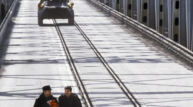 Los últimos extranjeros en salir de Afganistán: Comparación de las retiradas entre URSS y Estados Unidos